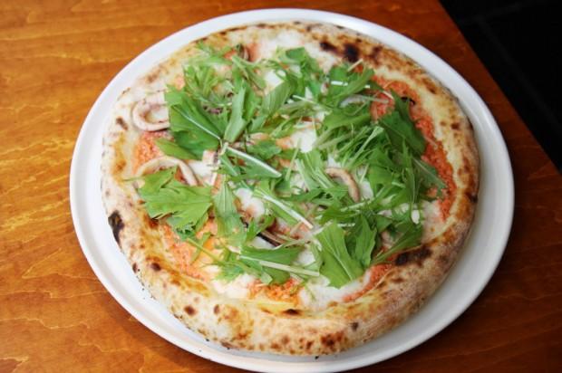 明太子マヨネーズと京水菜のピザ